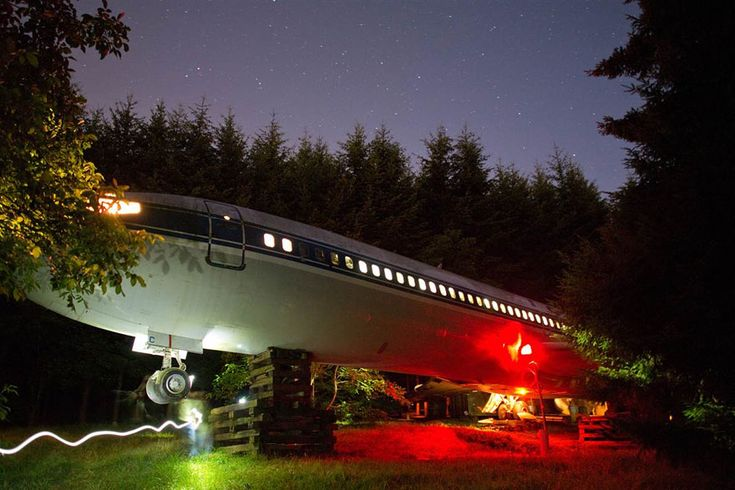 A Retired Boeing 727 Converted Into a Home in the Woods