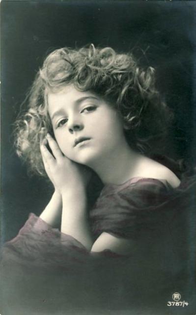 Фотографии девочек начала XX века