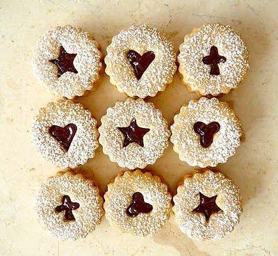 "Some of the best Swiss Christmas ""guetzli"" recipes - everything from Spitzbuebe to Chrabeli, Basler Brunsli, Haselnuss Leckerli and even Biberli!"