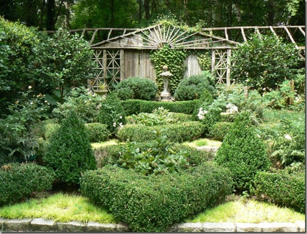 17 best images about gardening parterres on pinterest for Parterre vegetable garden design