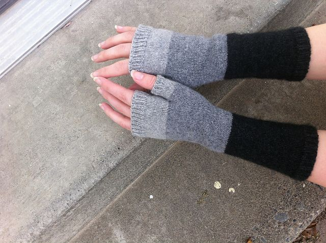 Ravelry: Patty's Perfect Mitts pattern by Hayley Albertson  -  free knitting pattern