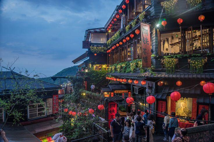 Jiufen, Taiwan - A Y Cat