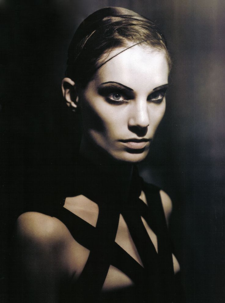 """Iris Strubegger in """"In A Poetic Mood"""" by Paolo Roversi for Vogue Italia April 2009"""