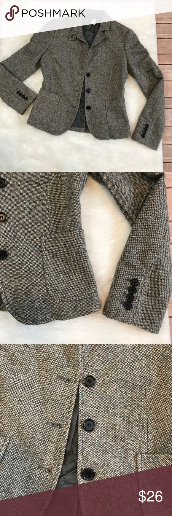 "Vintage J.Crew wool blend grey blazer Wool blend grey tweed blazer. Has metallic accents. Pockets! No flaws to note! Labeled size 0 . Bust 16.5"", length 21.5"", sleeve 22.5"" J. Crew Jackets & Coats Blazers"