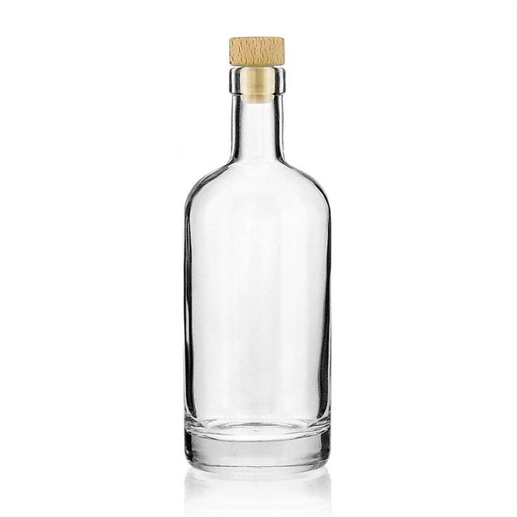 """A heavy premium bottle for a top price!<br /> The classy 500ml clear glass bottle <strong>""""Linea Uno""""</strong> causes its weight of 615g its thick glass bottom.<br /> <br /> <em>Also…</em>"""