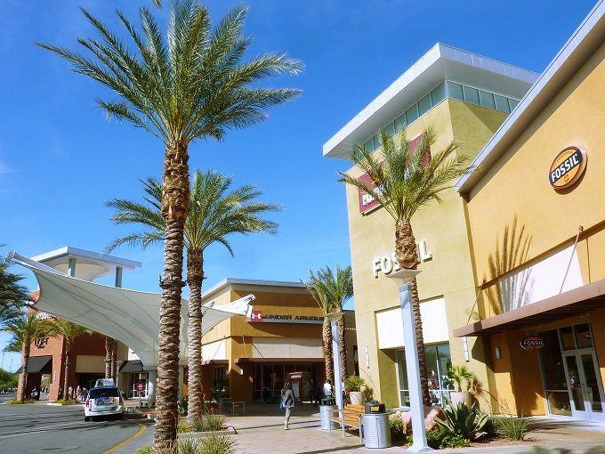 米国ラスベガス「ラスベガスサウス・プレミアムアウトレット」にて。Las Vegas South Premium Outlets in Las Vegas, USA.