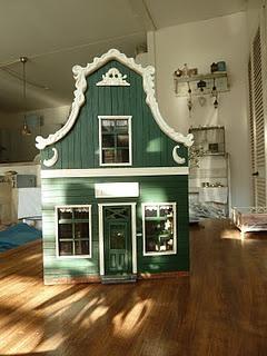 """Green house """"Zaans huis"""""""