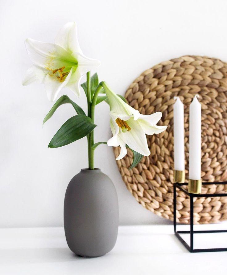 Die besten 25 glas bodenvase dekorieren ideen auf for Blumen dekorieren im glas