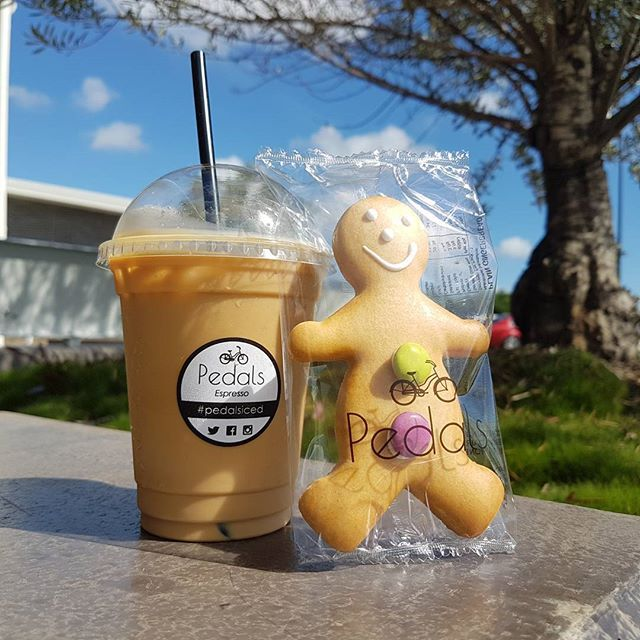 Pedals gingerbread man & iced coffee seems like a perfect treat on a day like today :) #pedalsespresso #bikingbarista #baristalife #coffee #cookies #espresso #icedcoffee #gingerbread #happy #love #smiles #quirky #sunny #sunshine #sunny #frasercoast_eats #fun #treat