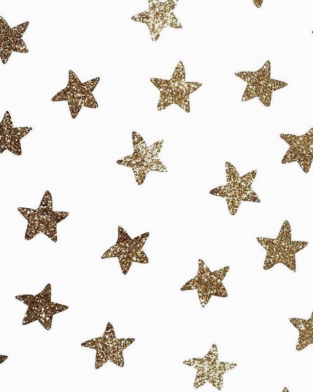 Pinterest Tatianaalopess Iphone Wallpaper Stars Gold Star Wallpaper Iphone Wallpaper Glitter White and gold stars wallpaper