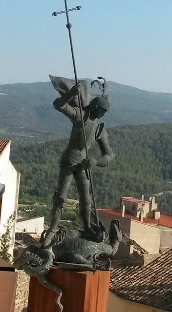 http://racoviatgermarilo.blogspot.com.es/2015/07/banyeres-de-mariola-la-llegenda-de-sant.html RACÓ VIATGER de Mariló: BANYERES DE MARIOLA: La llegenda de sant Jordi, de...