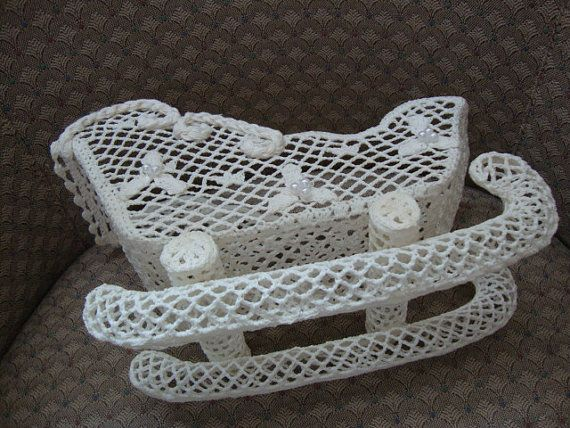 Vintage Handmade Crochet Santa Claus Sleigh Lace by AnnasDream. etsy.com
