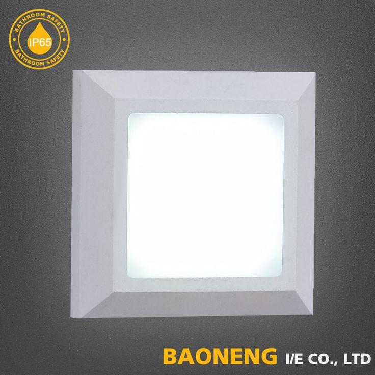 Waterprof 320*80*26 65 degree Outdoor LED Wall Lamp
