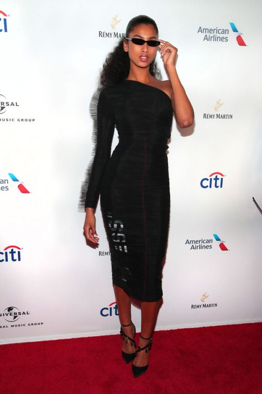 Imaan Hammam attends the Universal Music Group's 2018 After Party for the Grammy Awards presented by American Airlines and Citi at Spring Studios on January 28, 2018 in New York City.