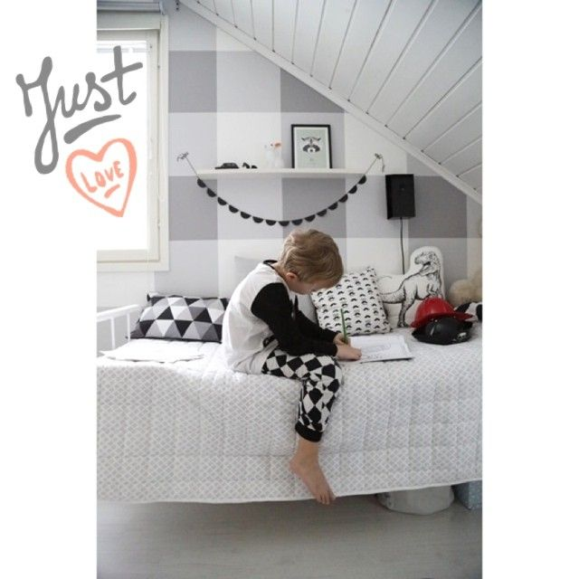 äidinrakkaus, playroom, kids room. Gray and white gingham wall, black and white bedding, kids room details, T-Rex pillow