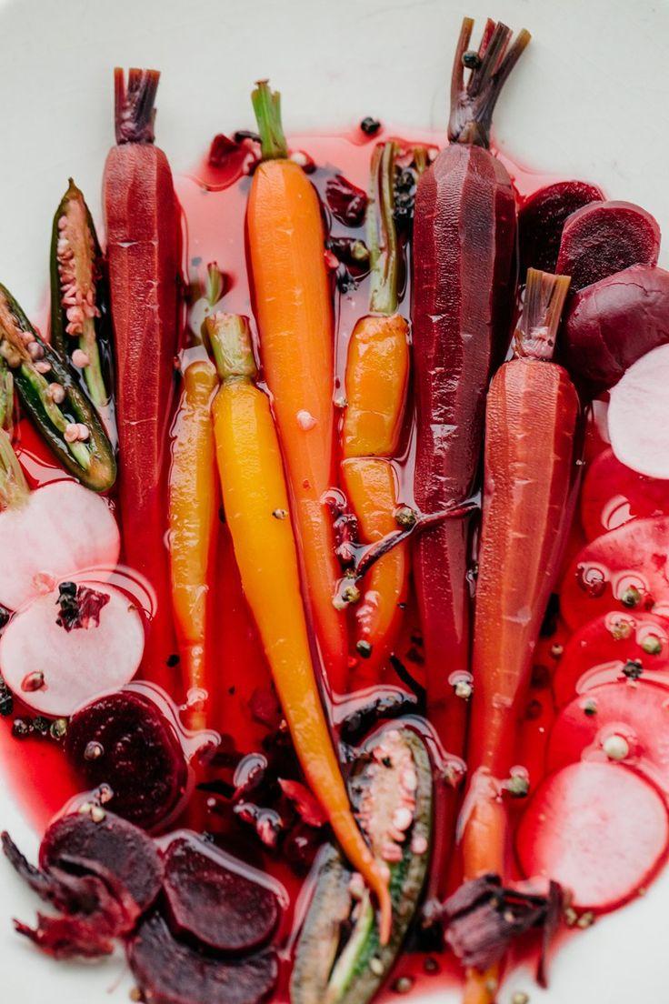 Hibiscus Jalapeño Quick Pickled Veggies | The Artful Desperado