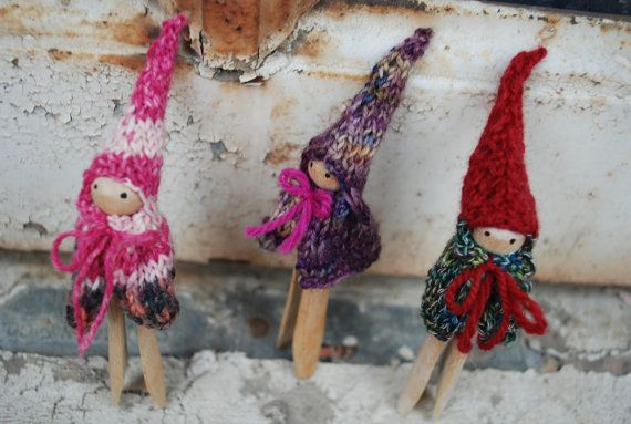 knitted boot gnome patternGnomes Waldorf, Crafts Ideas, Christmas Crafts, Waldorf Clothespins, Knits Pattern, Peg Dolls, Clothespin Dolls, Clothespins Dolls, Christmas Ornaments