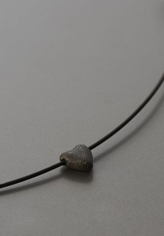 solid heart (single) necklace