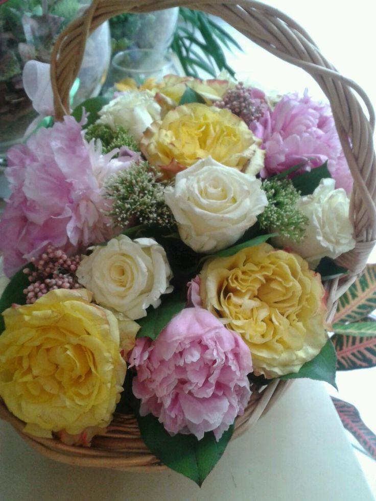 Цветочные корзины,композиции на заказ. Свадебное оформление.Пионы. +79255765688