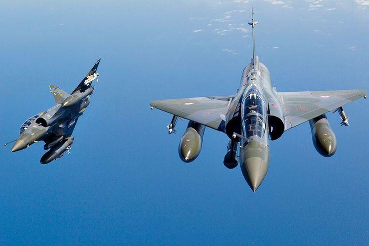 Mirage 2000D hävittäjiä.