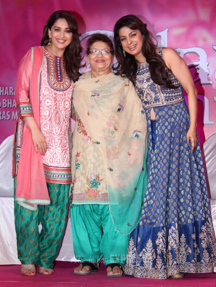 Saroj Khan flanked by Madhuri Dixit and Juhi Chawla in Film City, Mumbai. #Style #Bollywood #Fashion #Beauty