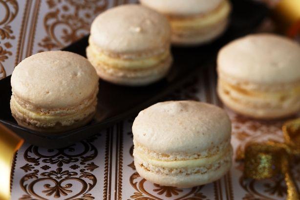 White chocolate macarons with white choc cream cheese filling