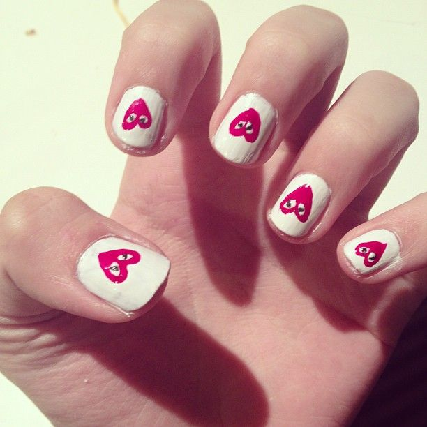 COMME des GARCONS white nails with red hearts!