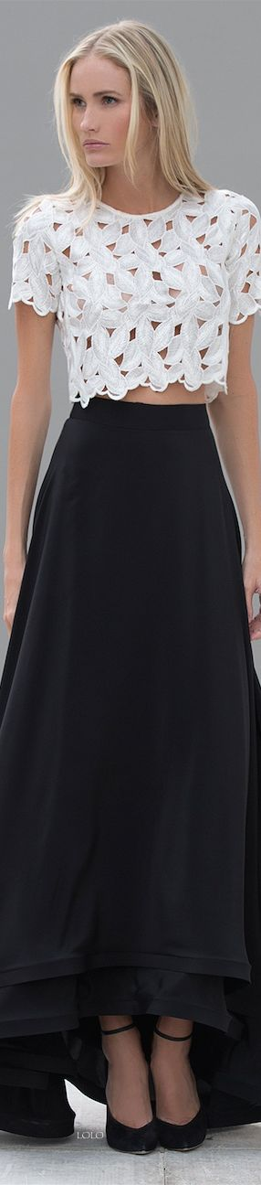 Love the top even though it's not black! The skirt is amazing too!!