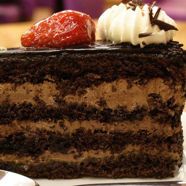 hazelnut chocolates cake hazelnut chocolates hazelnut cake chocolate ...