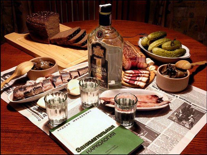 красивый стол с водкой -15