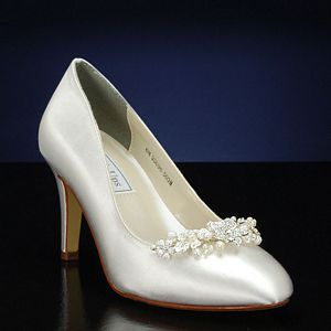 642 best my bridal look images on pinterest hair dos bustiers flash shoe decoration junglespirit Image collections