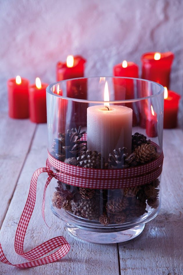 Since a light goes on: Christmas decoration with candles | Stepford Husband