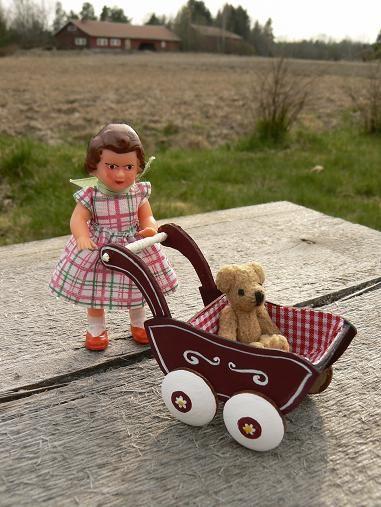 Perhe Malmström - Doll stroller pram tutorial - Finland