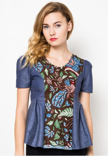 Nastiti 3Negri Top Dhievine is now available at zalora.co.id