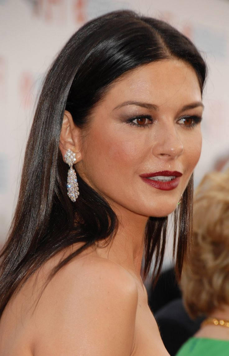 catherine zeta jones - those earrings, that makeup, that ... Catherine Zeta Jones
