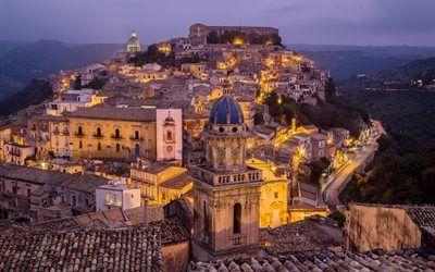 壁紙をダウンロードする 夜, イタリア, 灯り, ラグーザ, 町, シチリア島