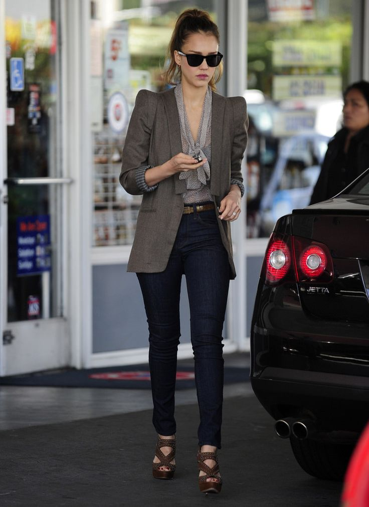 Jessica Alba Fashion Outfits Pinterest Jessica Alba Style Casual Chic And Work Outfits
