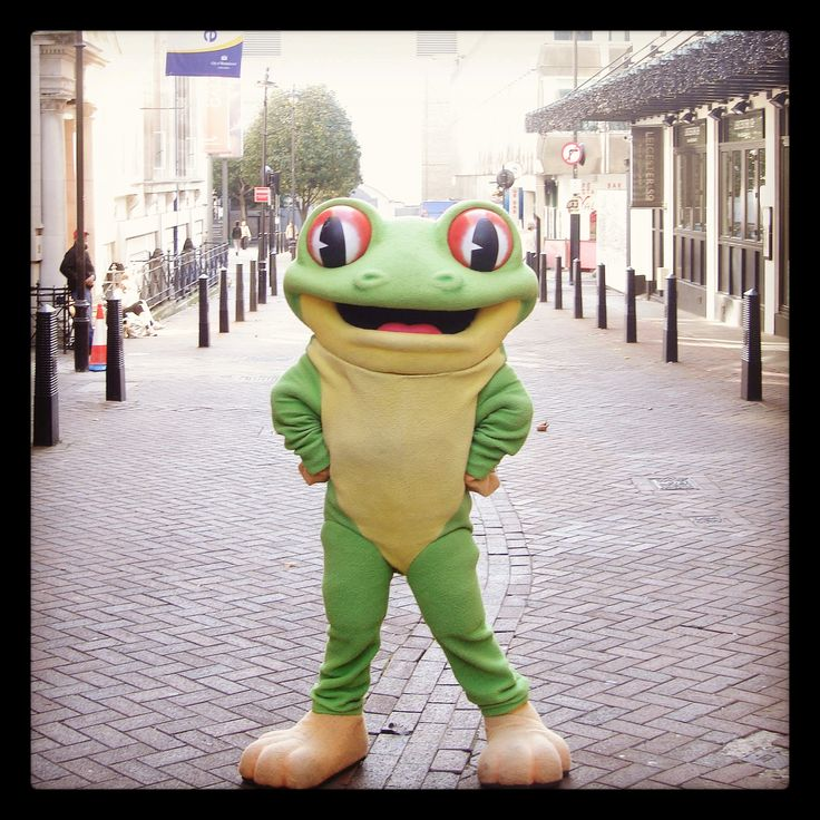 There's lots to see and do in London's West End! Cha Cha loves nothing more than to stroll around near Leicester Square and Trafalgar Square. If you're exploring make sure to look out for him!