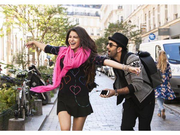 Anushka Sharma and Ranbir Kapoor look super adorable in this new Ae Dil Hai Mushkil still