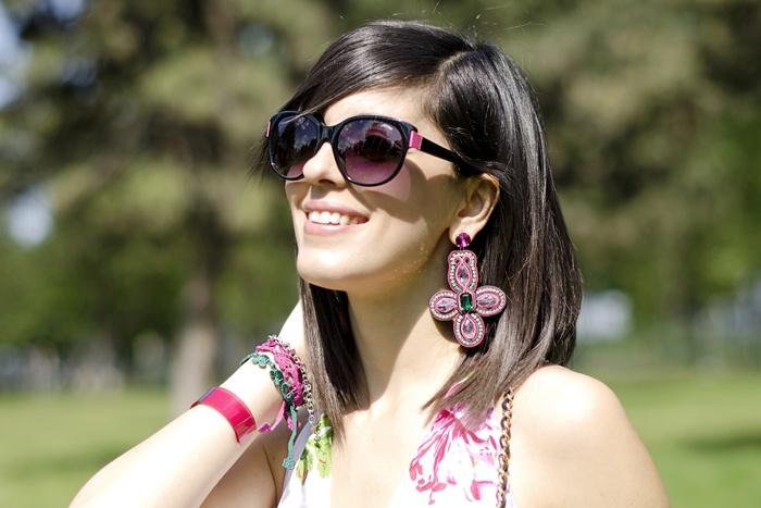 Sting eyewear! #lauracomolli #pursesandi #fashion #fashionblogger #style #details #smile #funisnotexpensive #bag #stingeyewear #pink #gioya #turin #ss2013 #spring #grass #cute #beauty #beautiful #nature www.pursesandi.net