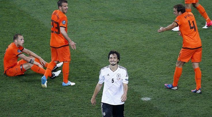 Vieni iš EURO2012 favoritų olandai nusileido ir