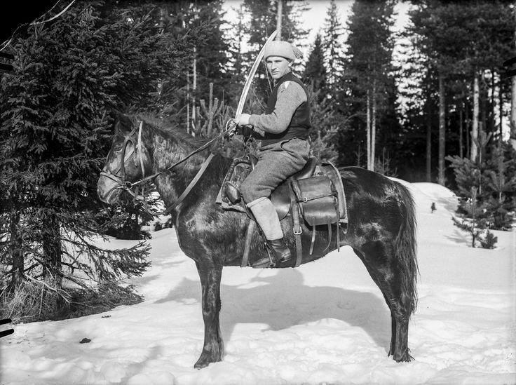 Turun ratsuihin kuuluva punakaartilainen Ruovedellä | by Vapriikki
