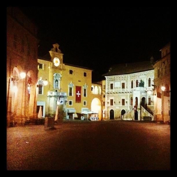 Fermo - Piazza Del Popolo - @marti_85- #webstagram