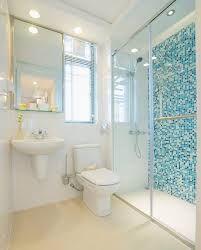 decoração de sala com faixas de azulejos - Pesquisa Google