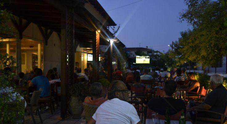 Watching football at Raido's place !!!