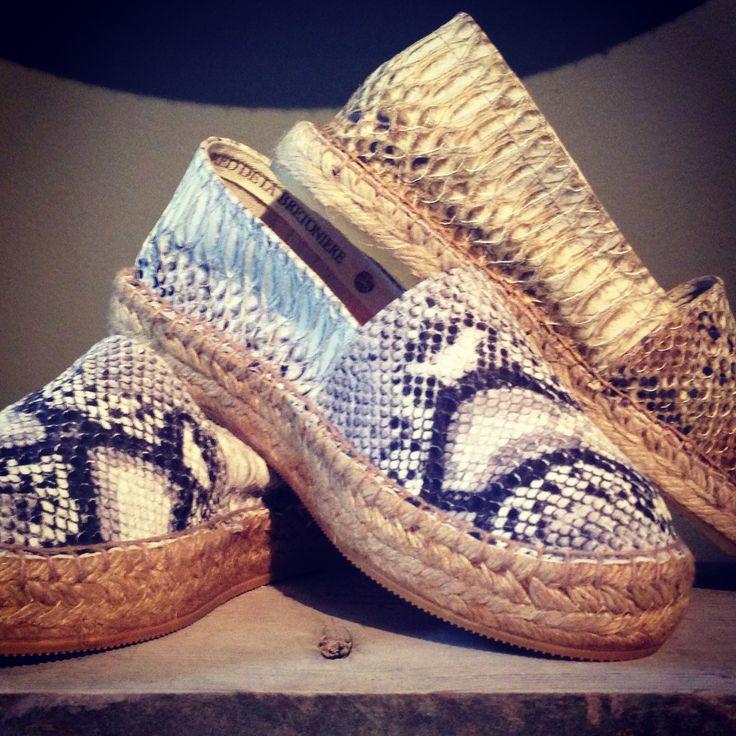 Want! Snake leather espadrilles of Fred de la Bretoniere.  www.materiallist.nl