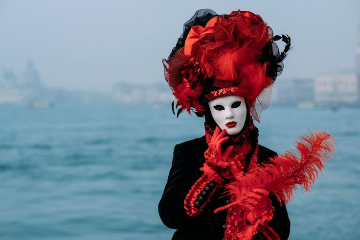 Join me and the FujiLove Adventure group during the 2018 Venice Carnival! In the middle of February 2018, exactly between February 9 - 14, 2018, I will be running another FujiLove Adventure - together with a group of 12 FujiLovers we will be photographing the most famous Carnival in Venice. Needless