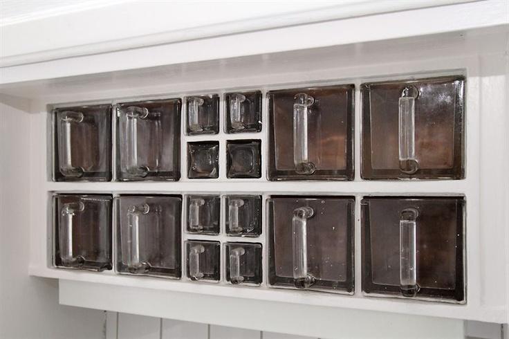 """Glass drawers """"Boet"""": http://www.byggfabriken.com/sortiment/inredning/koeksinredning/info/produkter/231-101-glaslaada-boet/"""