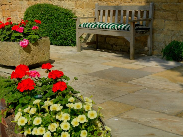 Pavestone Tudor Antique Cathedral paving