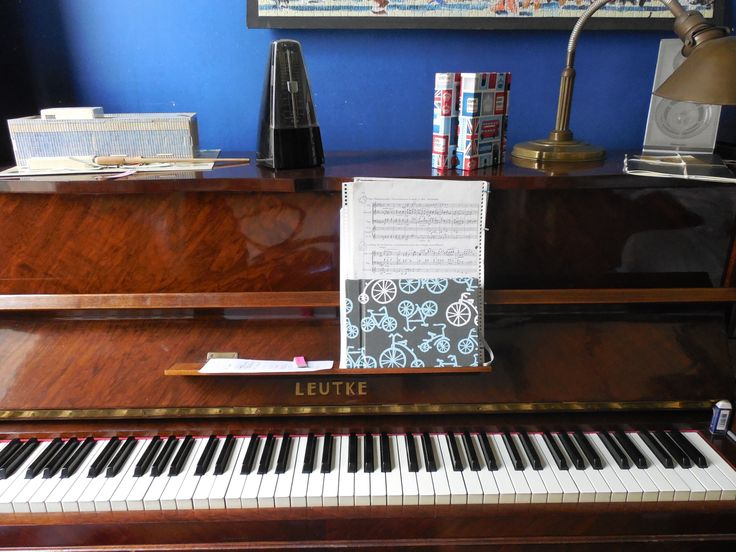 Un FL pentagramado acompaña a un excelente pianista! #Encuadernación #Cuaderno #FlorenceLivres #Pentagrama